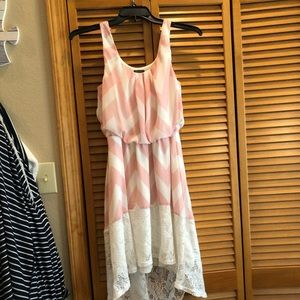 Dresses & Skirts - Large pink and white chevron high low dress